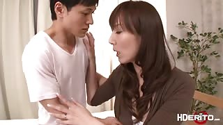Sexy Japanese Reiko fucks to get a perfect score