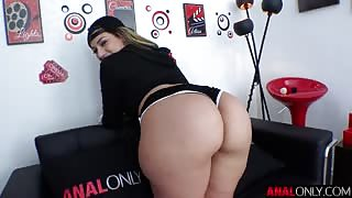 Valentina Jewels bubble butt babe fucked
