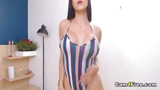 Busty Chick Playing Her Pussy On Webcam