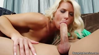 Insanely cute blonde fucks and gets facial