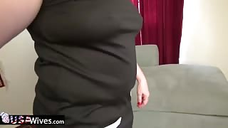 USAwives Busty Mature Chick is Playing with Tits